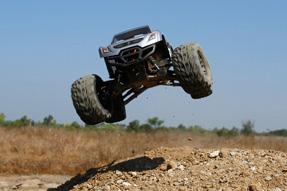 Vaterra-Halix-4WD-Monster-Truck-7