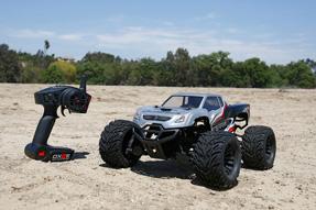 Vaterra-Halix-4WD-Monster-Truck-8