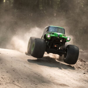 LMT 4WD Monster Truck con assale solido RTR, Grave Digger